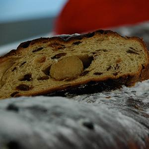 rozijnenbrood als relatiegeschenk, kerstbrood, kerststol